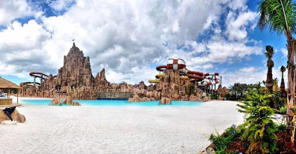 Rixos World Aquapark Aquaworld Günsu aquaworld kaydırak.jpg